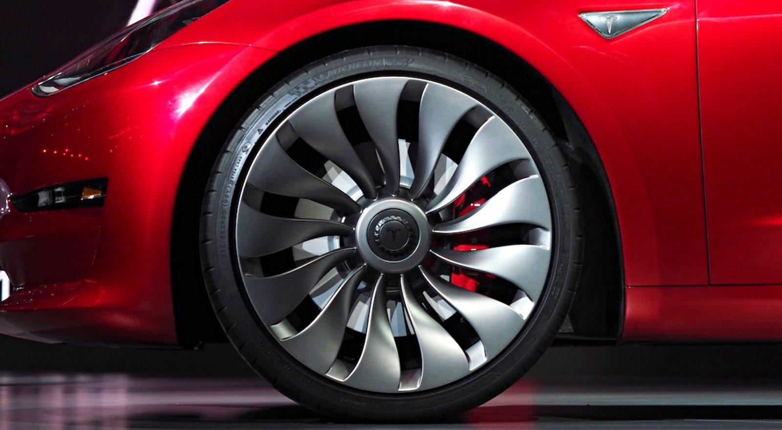 Advantages and disadvantages of bigger tyres